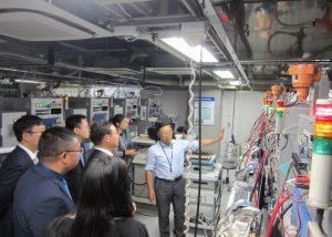 燃料電池ナノ材料研究センターでの見学